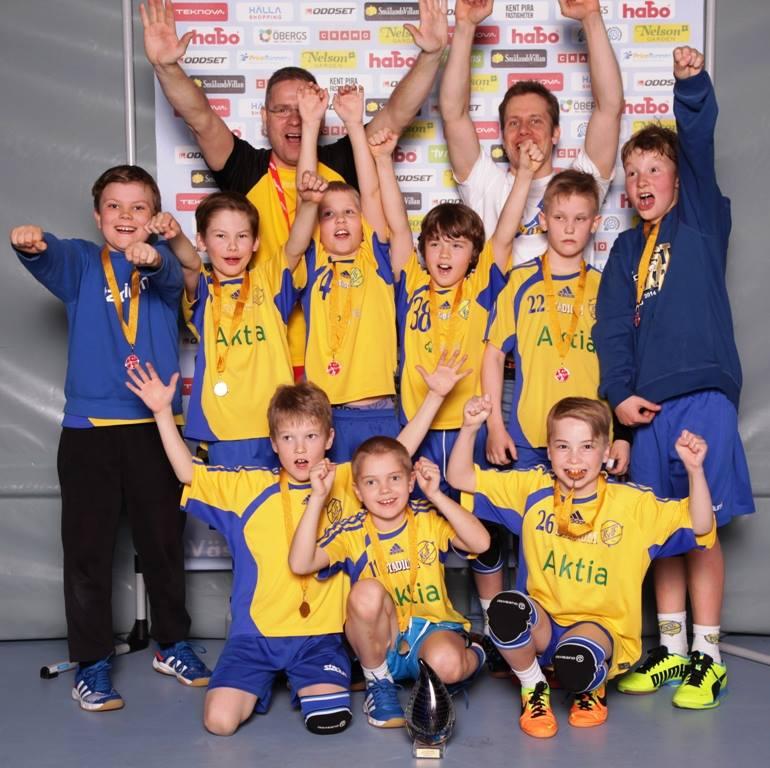 KyIF:n 2004 syntyneet voittivat turnauksen. Onnittelut!